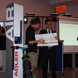 Prämierung des Gewinners des ausgeschriebenen Wettbewerbes mit der Hochschule Pforzheim