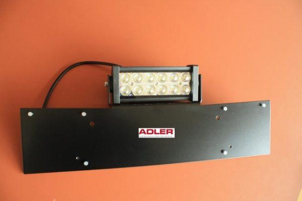 Offroad Zubehör von Adler:  KFZ Nummernschild Halterungen aus Aluminium mit integrierten Winkeln für einen LED Zusatzscheinwerfer. Die Bleche sind lasergeschnitten, entgratet, gebogen, Einpressmuttern eingepresst und pulverbeschichtet.